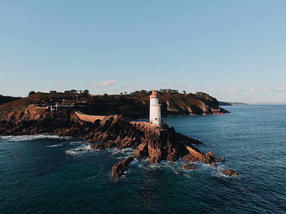 lighthouse view during daytime