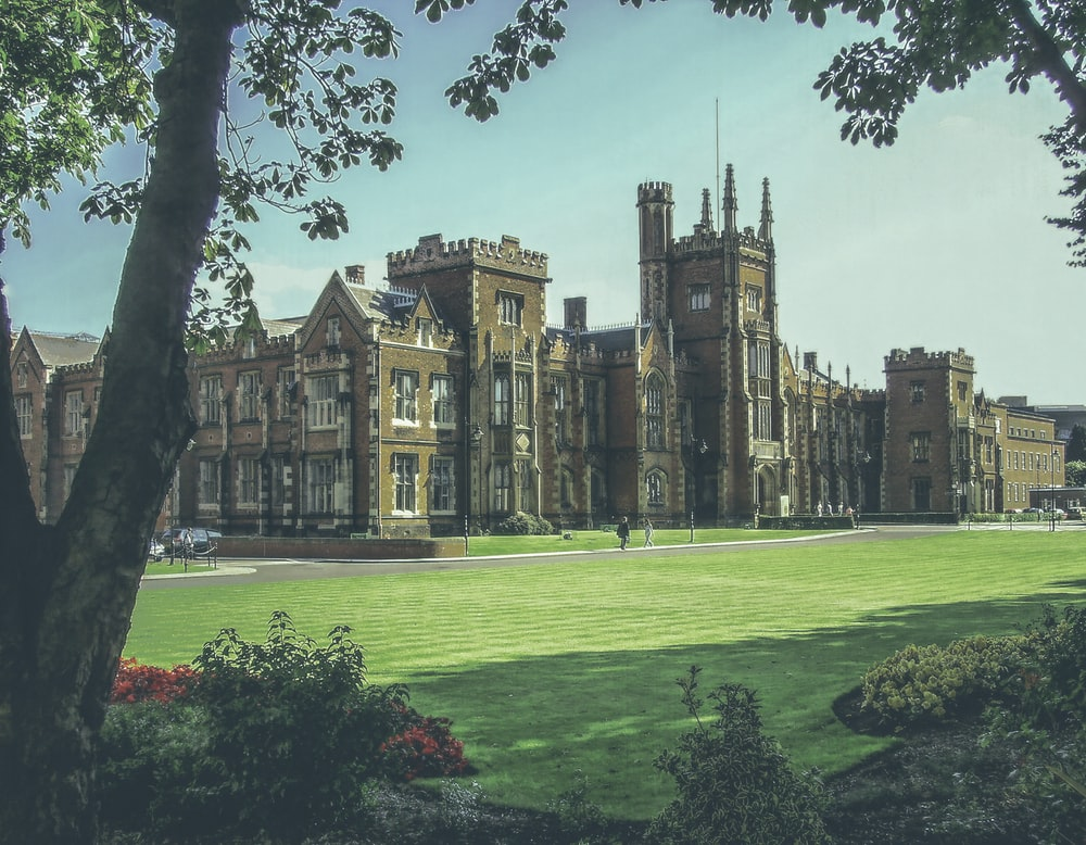 Higher Education Pictures Hq Download Free Images On Unsplash