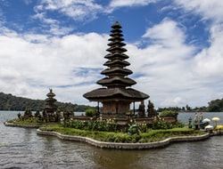 Lovina - Ulun Danu Tempel - Jatihluwih & Tana Lot - Ubud