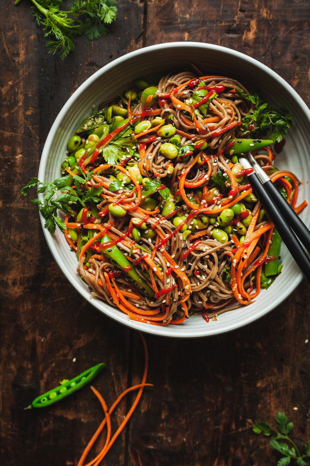cooked noodles with vegetables