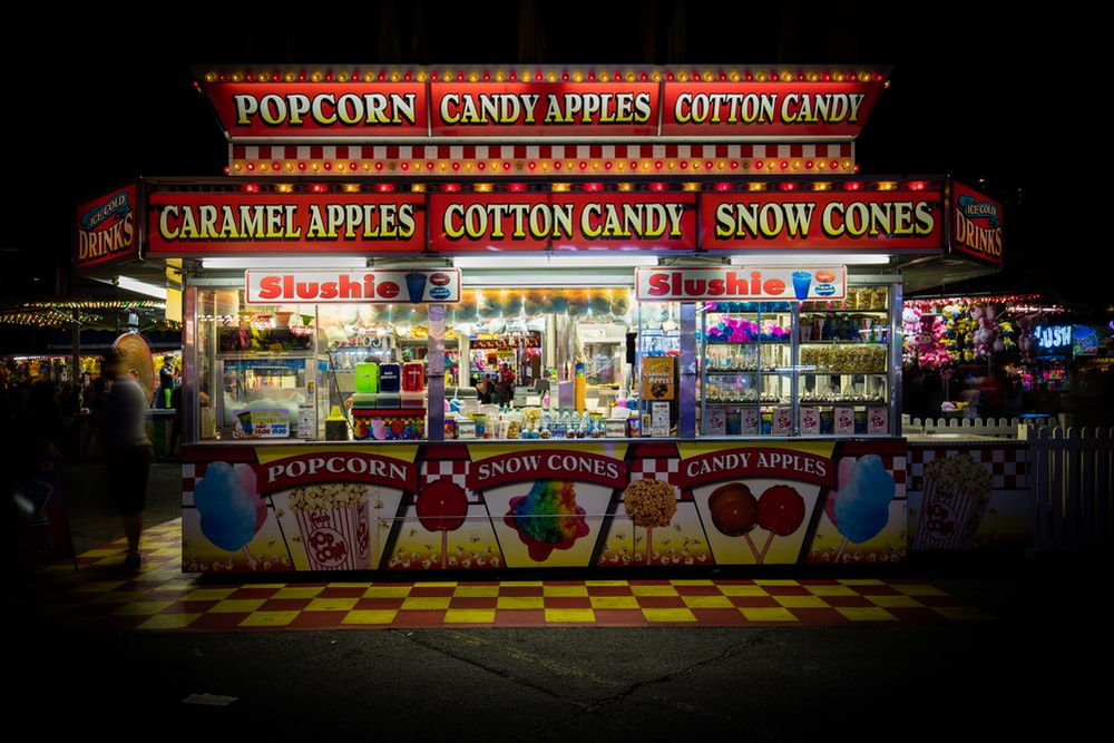 white and red snack kiosk