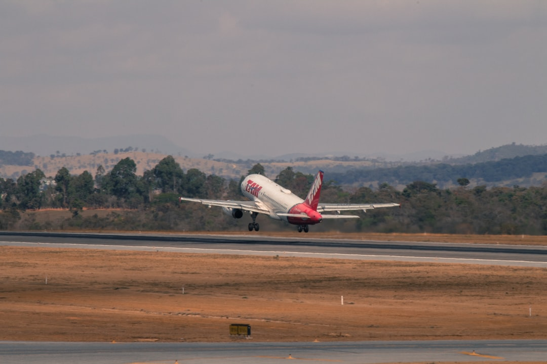 Airbus A-319 departing from Confins International Airport