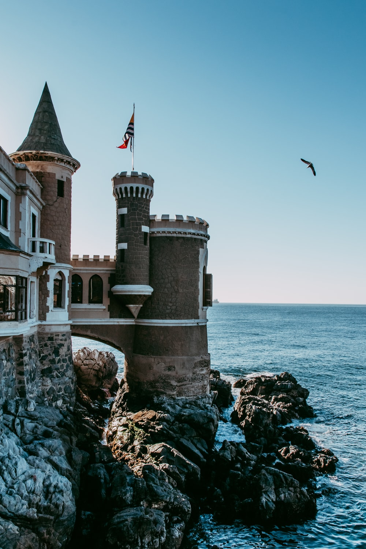 white and white castle