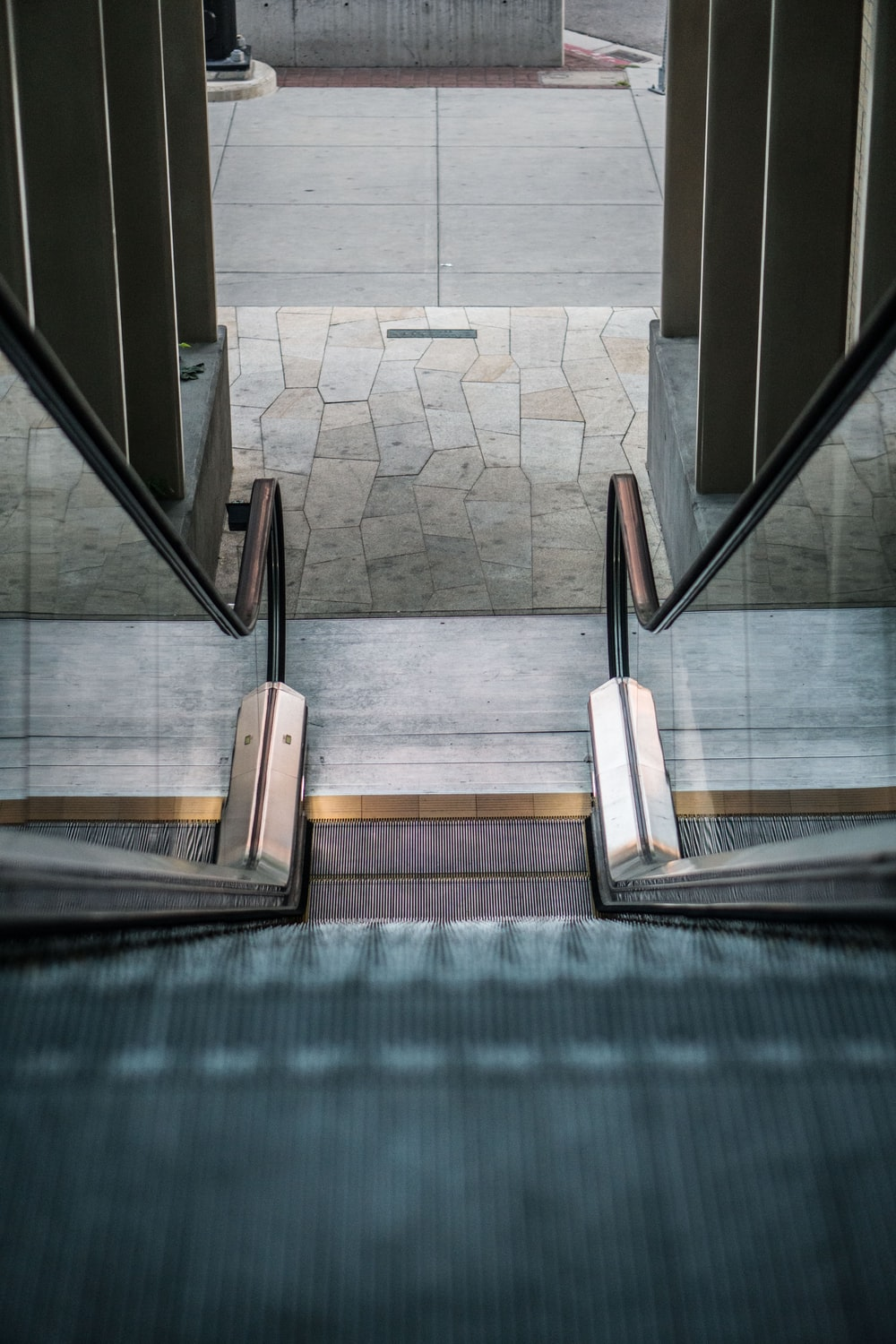 grau escalator