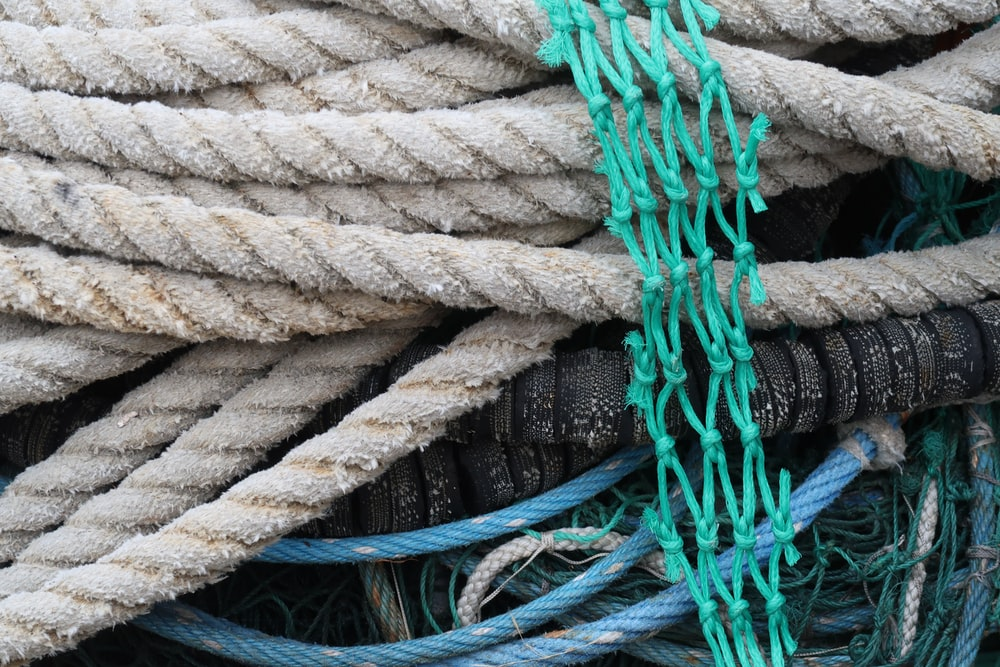 brown rope besides green net