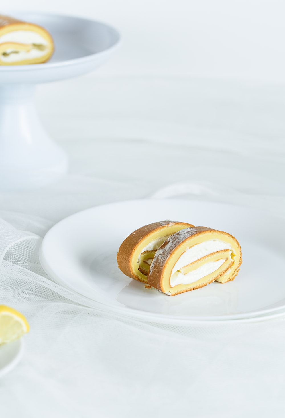 brown roll cake