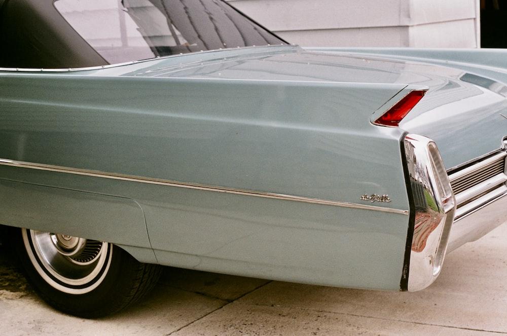 shallow focus photo of gray car