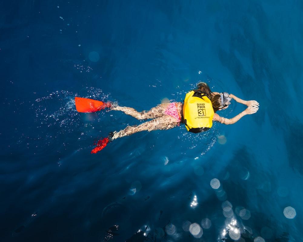 person snorkling in the sea