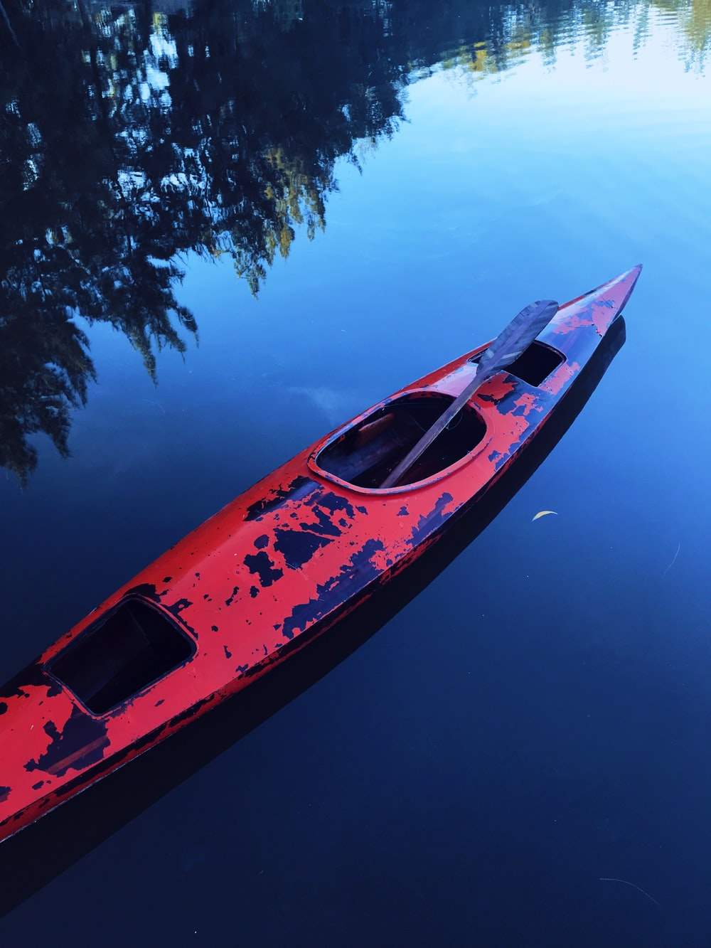 red canoe pn water
