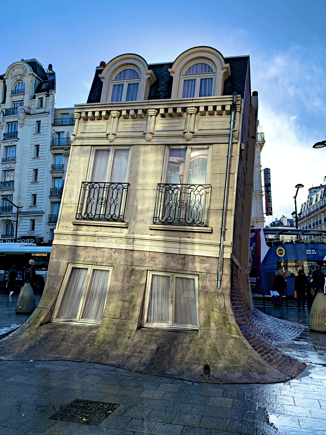 The Melting House, installation by Leandro Erlich, Gare Du Nord, Paris