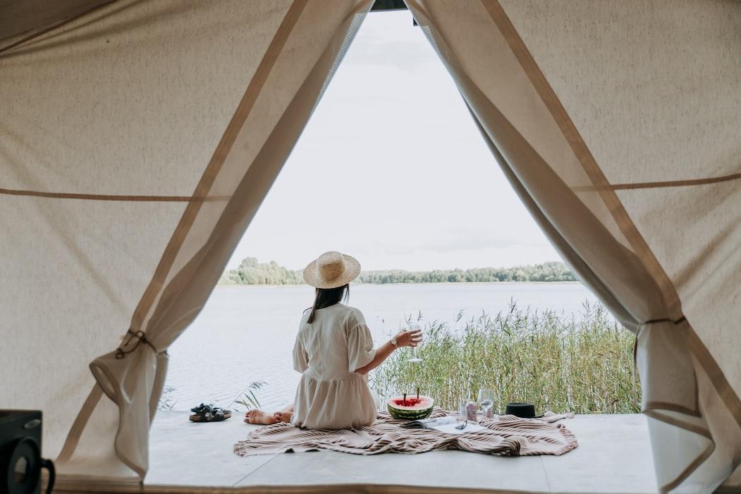 glamping white tent