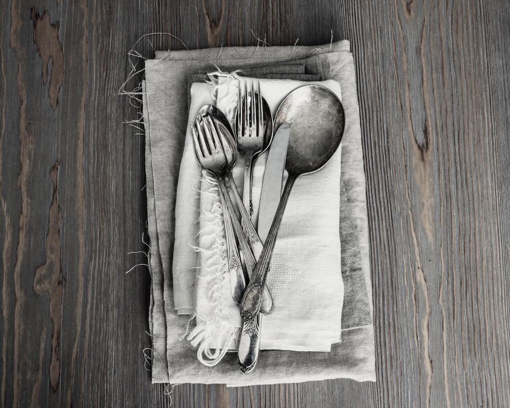 grey stainless steel cutlery set