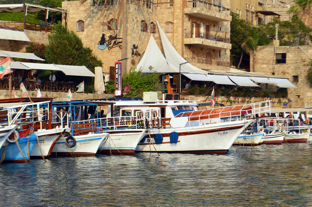 I can't resist the charm of Byblos port... Can you imagine the number of adventures these boats went on?