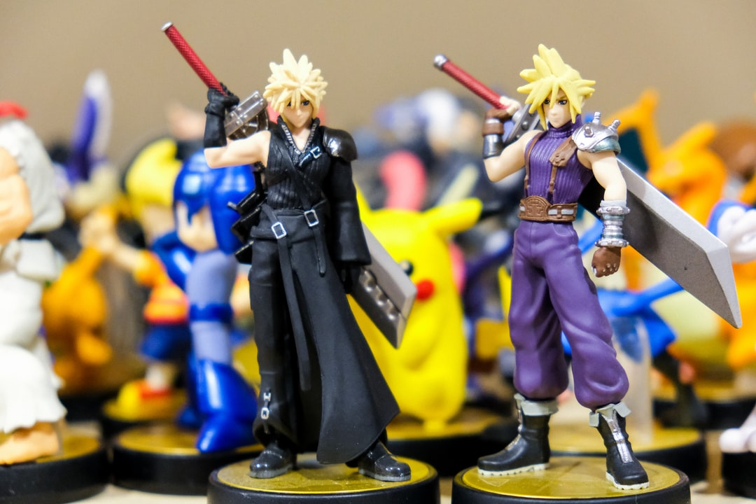 Nintendo amiibo toys of the character Cloud from Final Fantasy VII, and FFVII Advent Children.