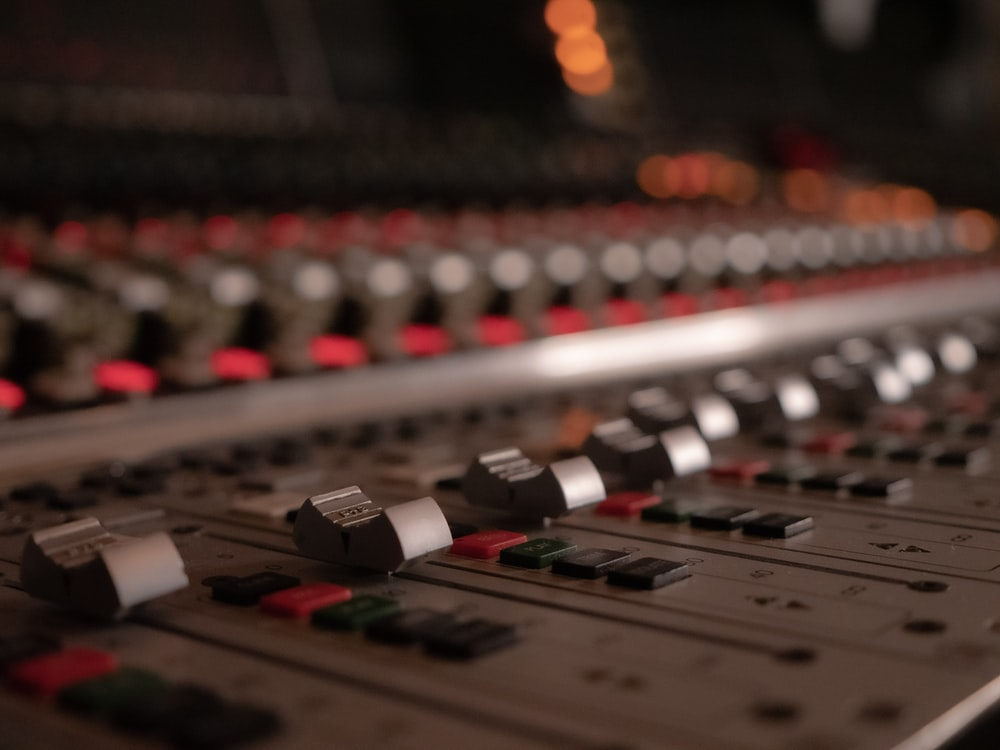 grey and red audio mixer