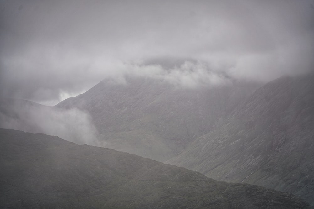 black mountains close-up photography