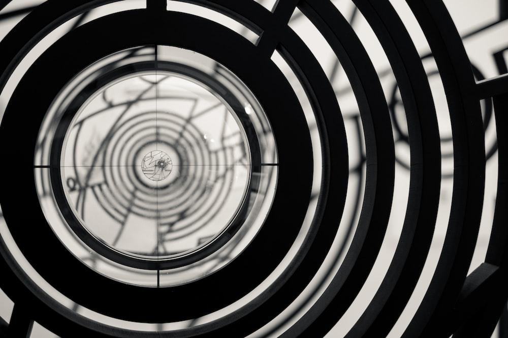 round black decor