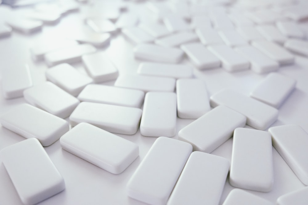 white bar lot