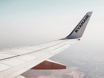 Quando e come si ritornerà a viaggiare in aereo dopo il Covid