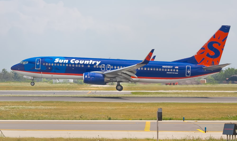 blue and red airplane