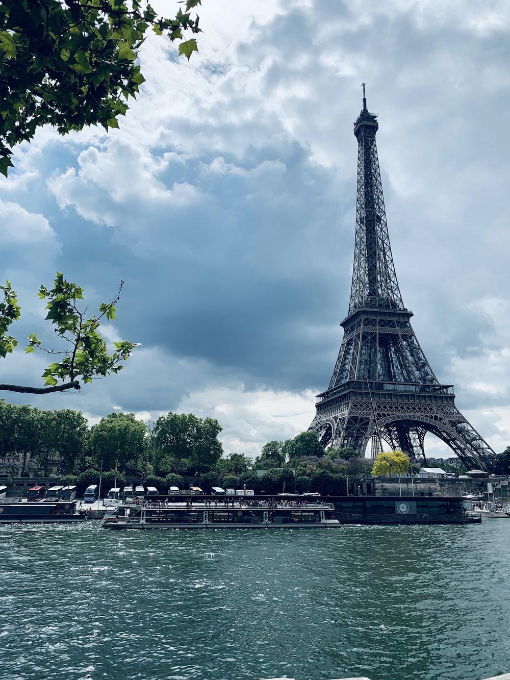 Eiffel tower during daytime