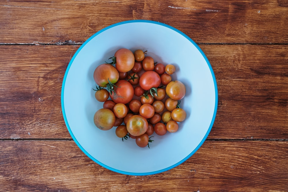 red and brown tomatoes