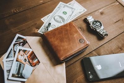 薄い財布は生活がコンパクトかつ、スマートになります【ミニマリスト】
