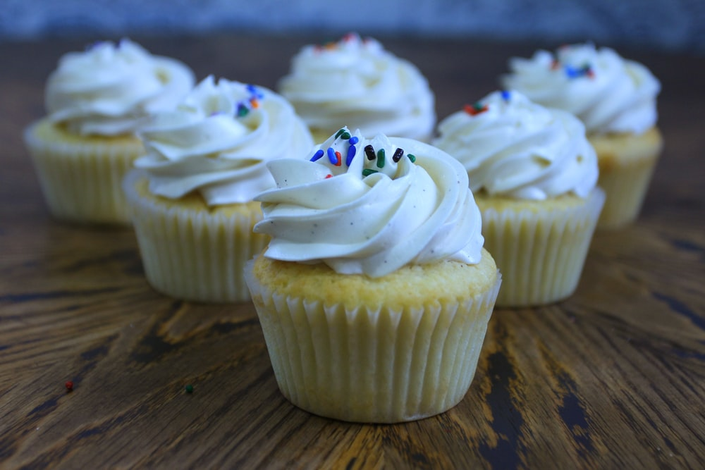 cupcakes on wooden surface
