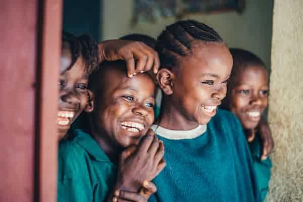 רגישות לדחייה אצל ילדים ובני נוער דחויים חברתית
