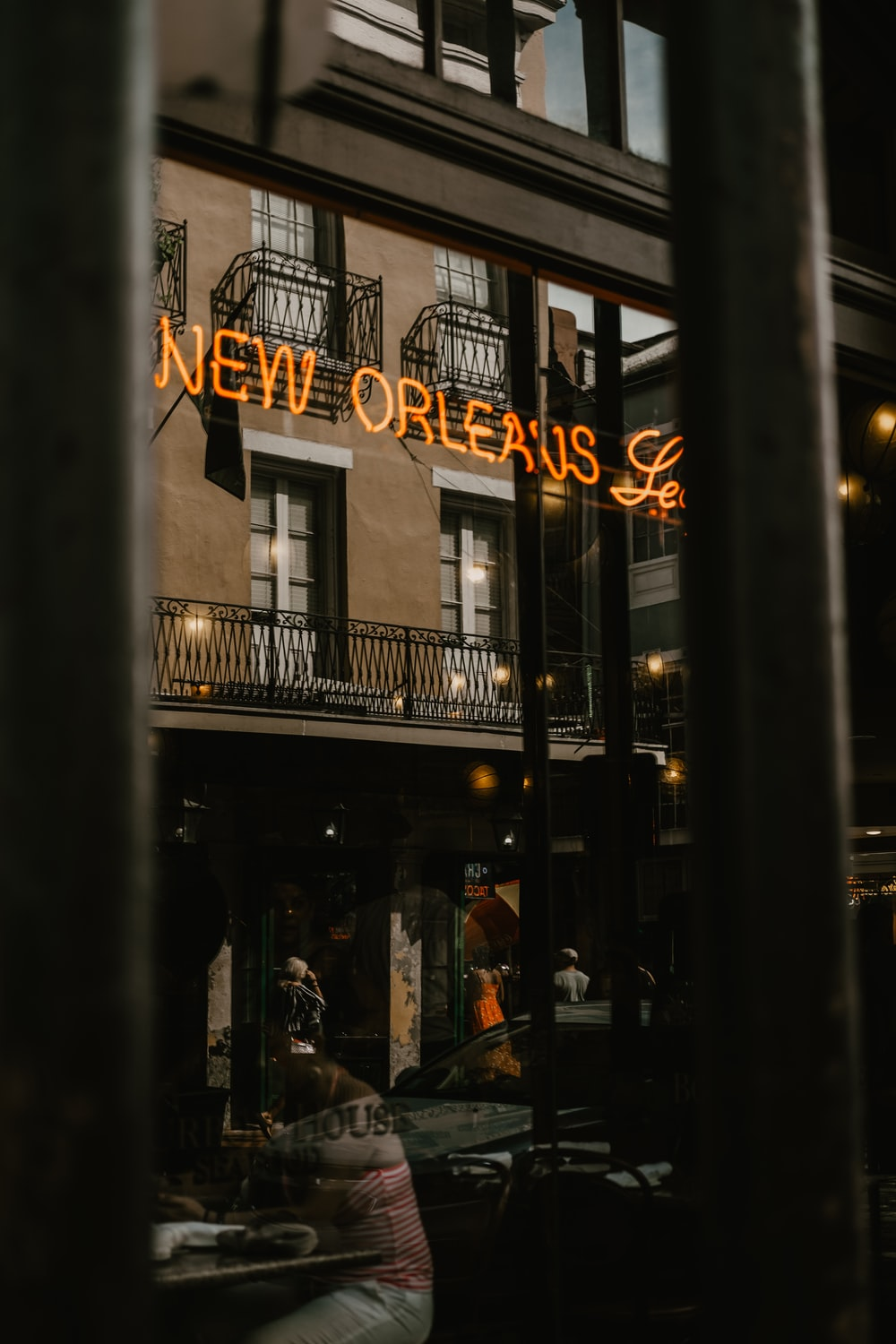 lighted New Orleans neon sign