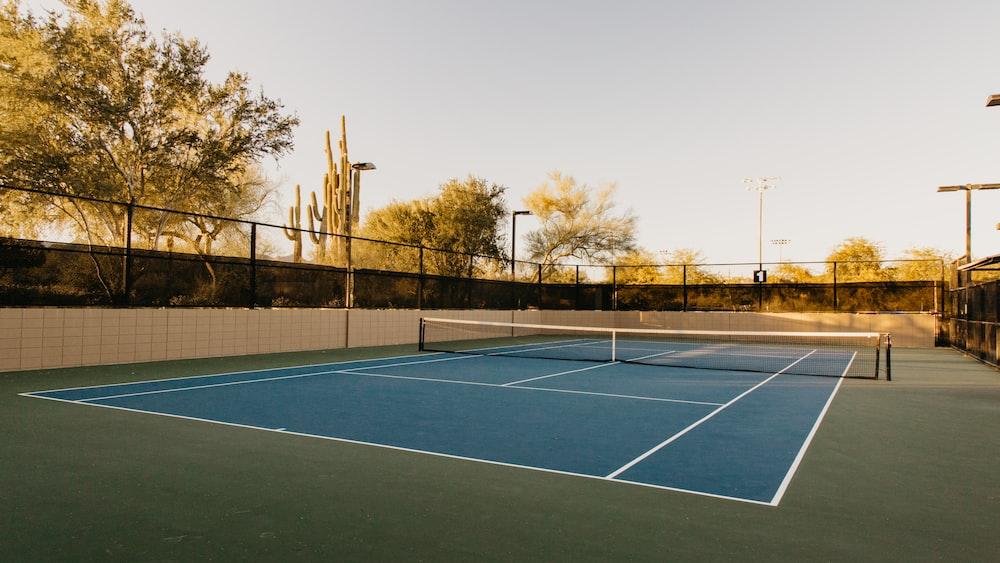 blue tennis court