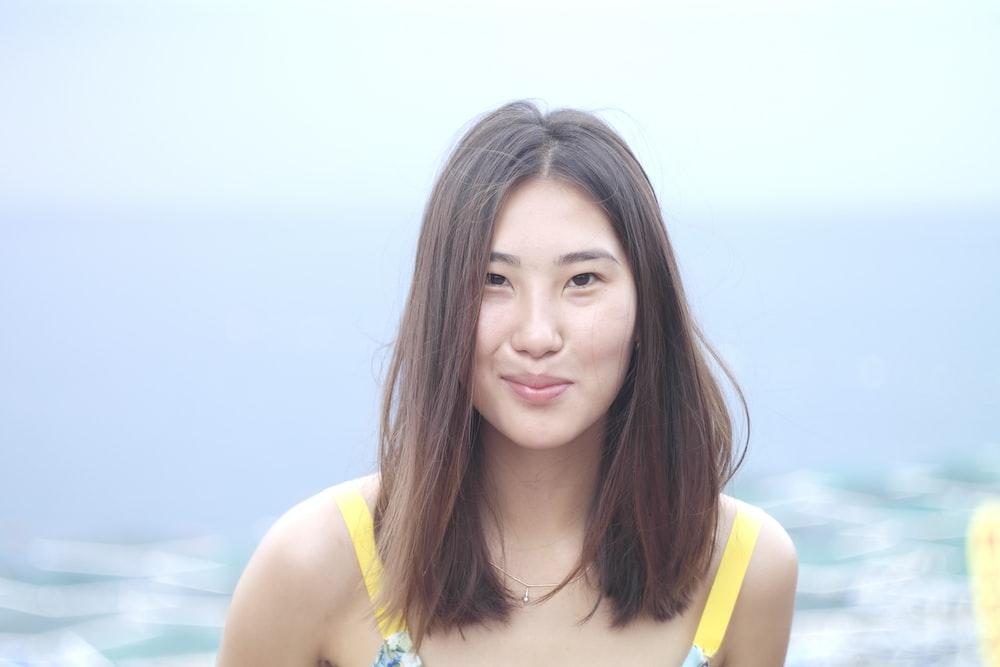 women's yellow top