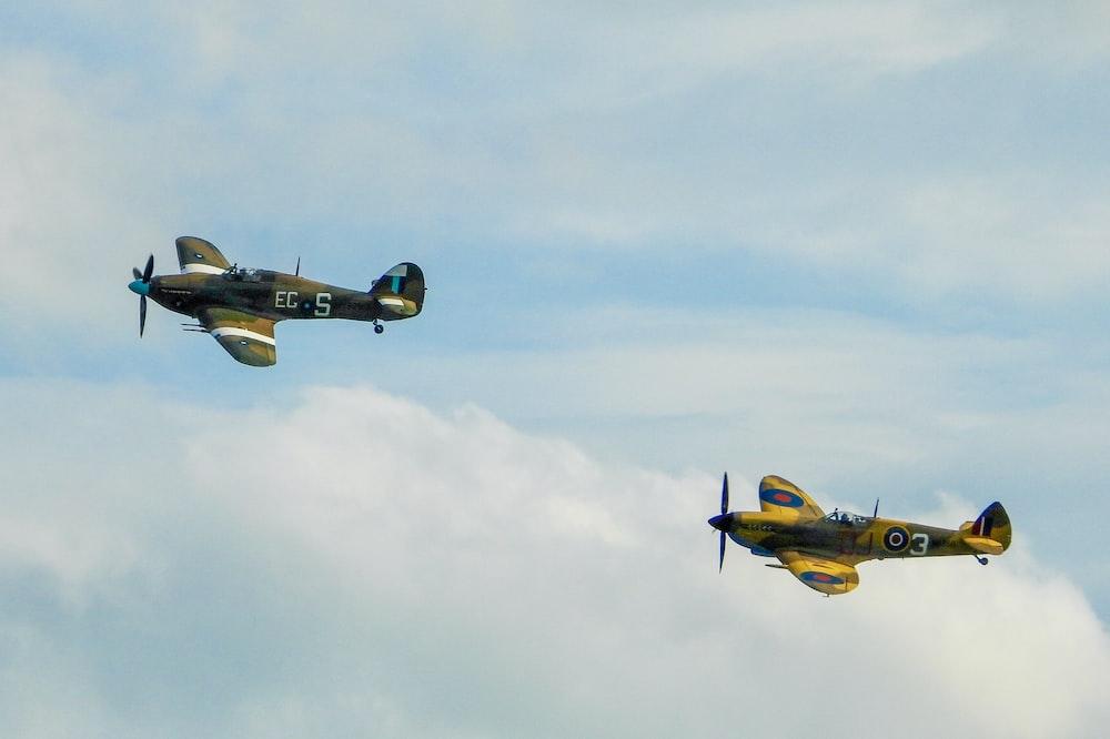 yellow and gray monoplane