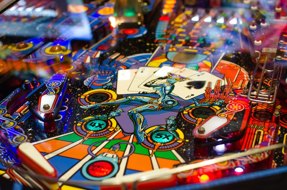 closeup photo of pinball machine