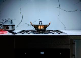grey cooking pot