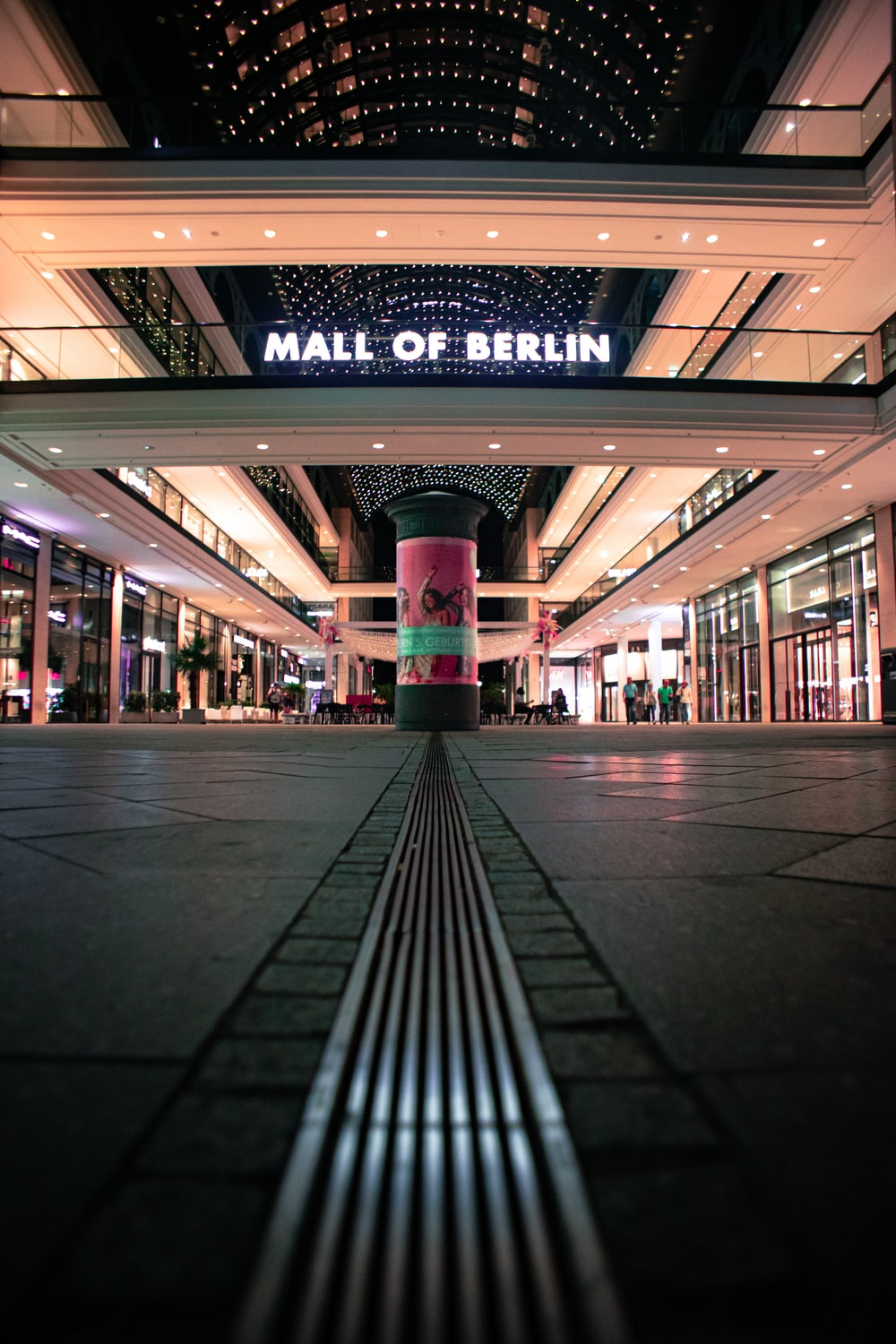 Mall of Berlin at night