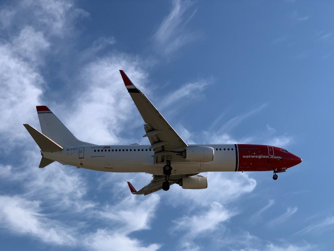 Norwegian flight landing into Malaga Aeropuerto