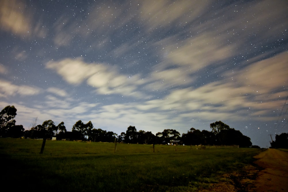 time-lapse photography of clouds moving in the sky