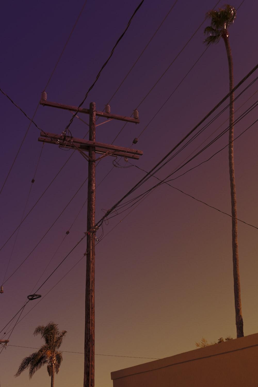 electric antenna at daytime