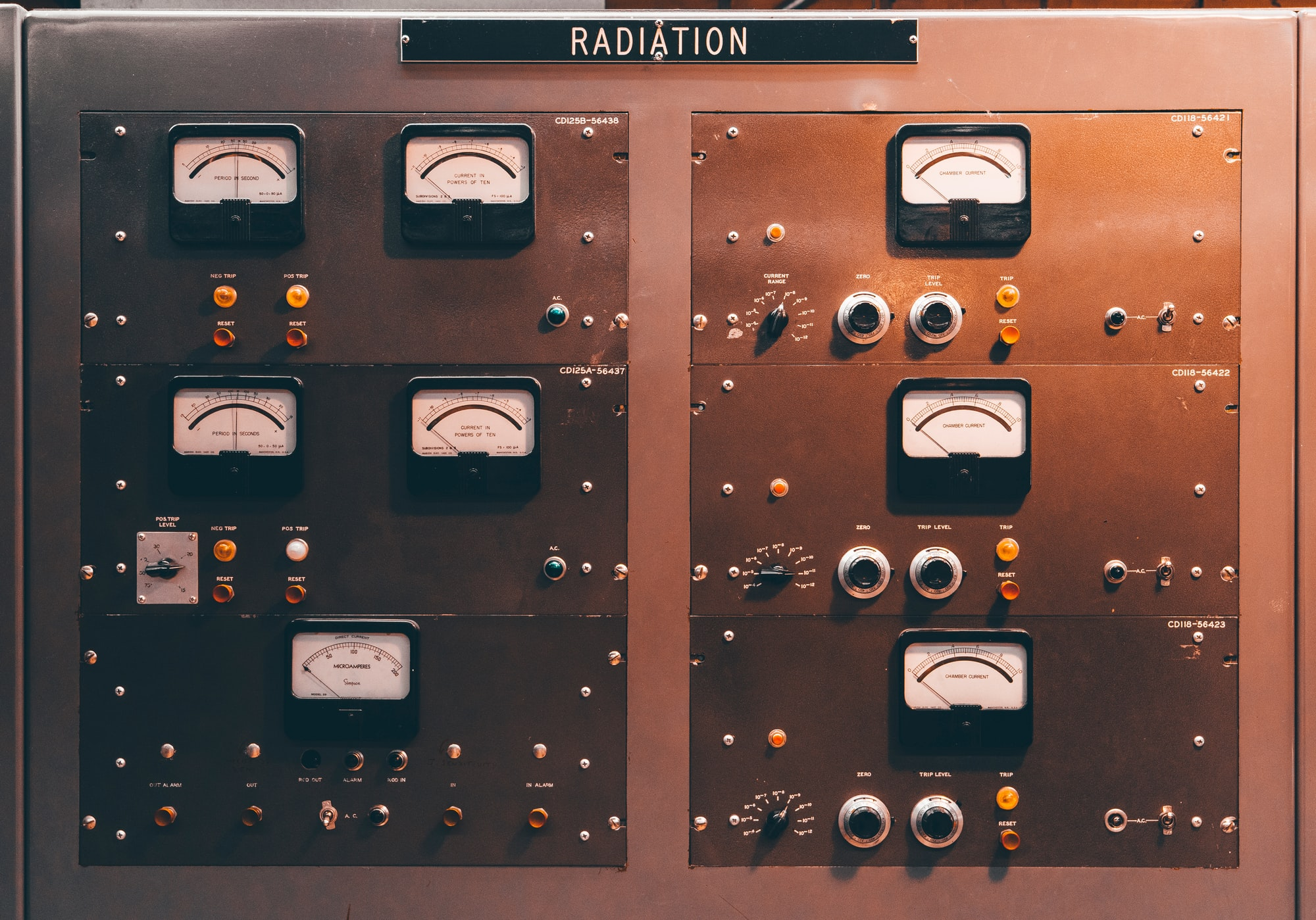 I took a remote highway cutting through Idaho and stumbled upon a free roadside museum that used to be a nuclear power plant. Obviously, I had to check it out and add another hour to my drive... Here's a bunch of cool 1950s-era dials and knobs located on the main control station.