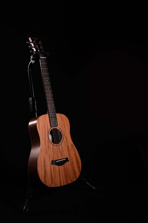 Taylor Guitars Pictures Download Free Images On Unsplash