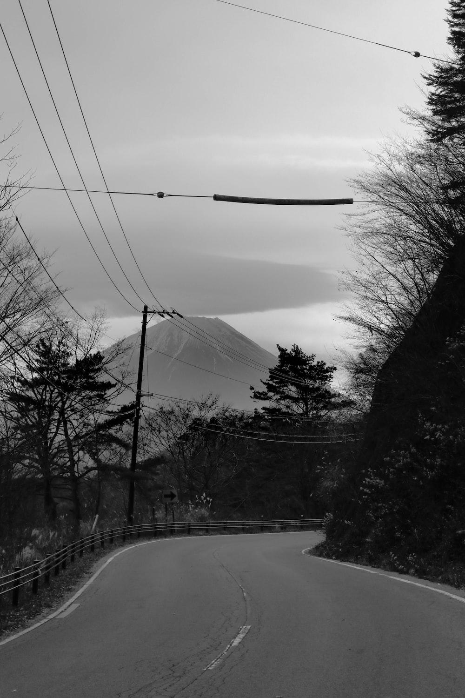 gray concrete road