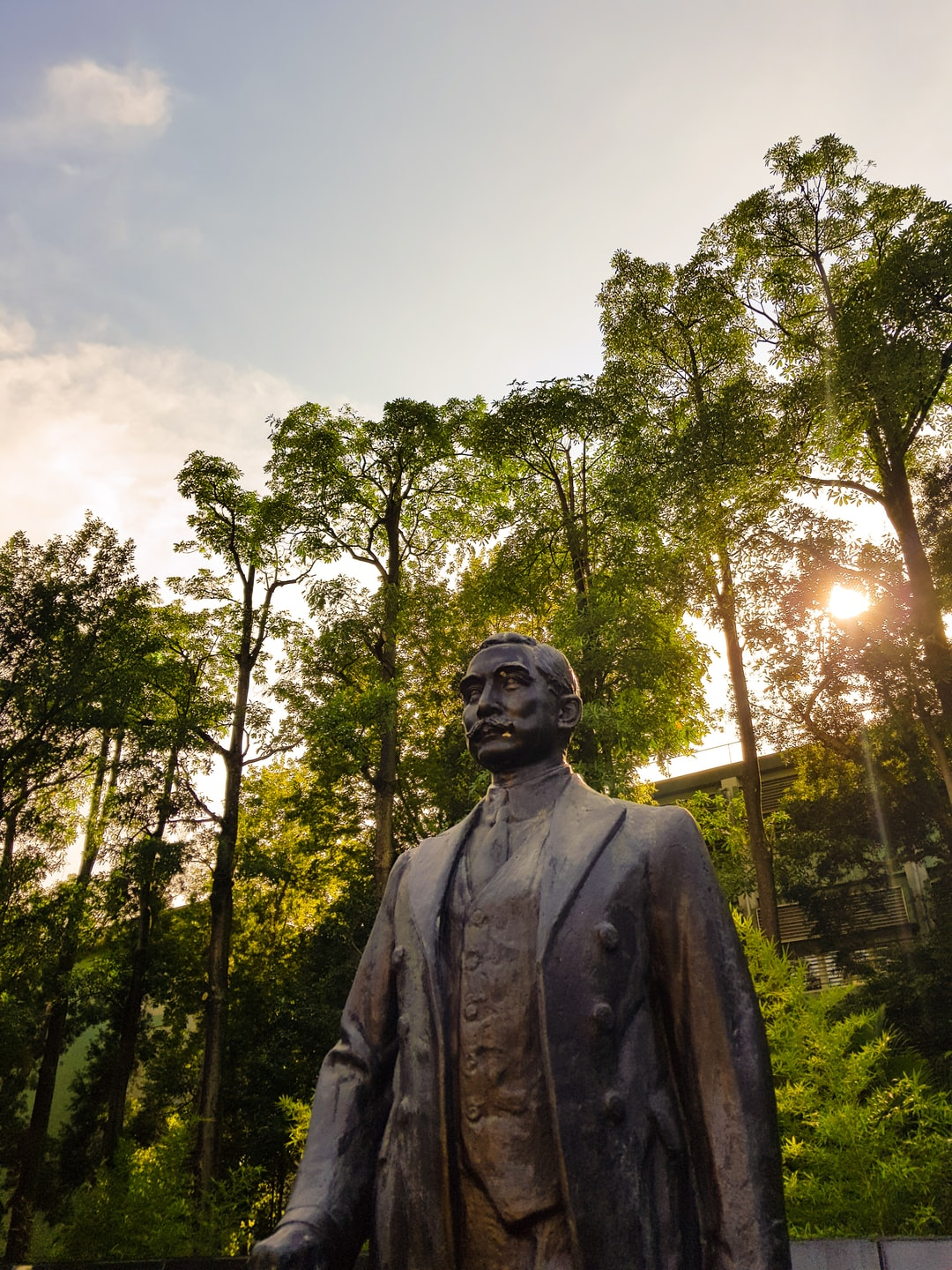 Sun Yat-Sen Statue at Sun Yat-Sen Memorial Hall. I am currently studying at NTUST in Taipei and yesterday I had the chance to go there
