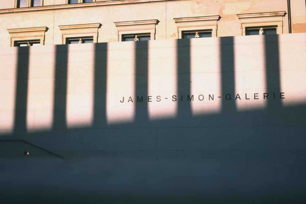 James-Simon-Galerie building during daytime