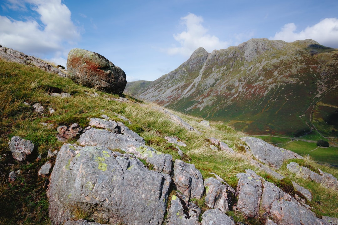 Pike o' Stickle and the Langdale Pikes from The Band. Great Langdale, Lake District, UK.