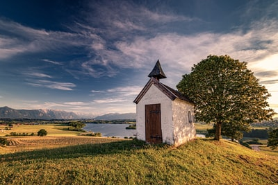 A wonderful evening at the small chapel in Upper Bavaria near Lake Riegsee. The view to the Alps was breathtaking and the moment was very relaxing.
