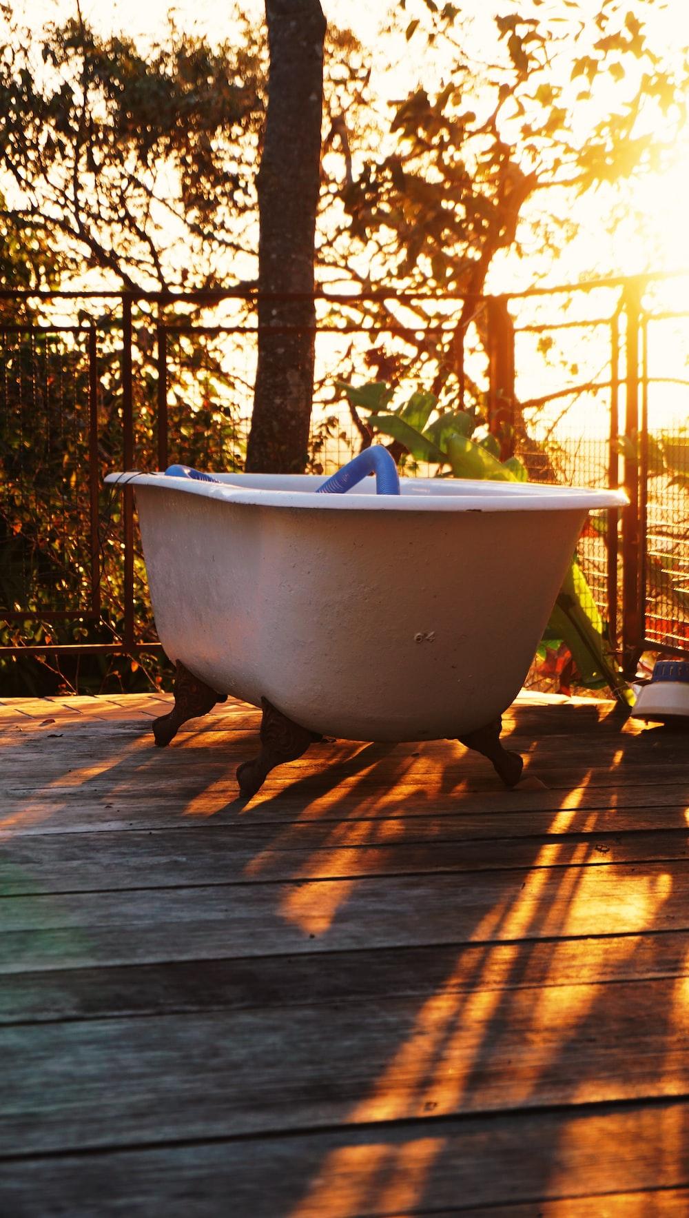 white bathtyb