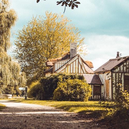 house near hedge