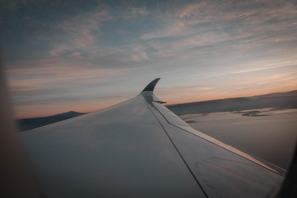 white air liner