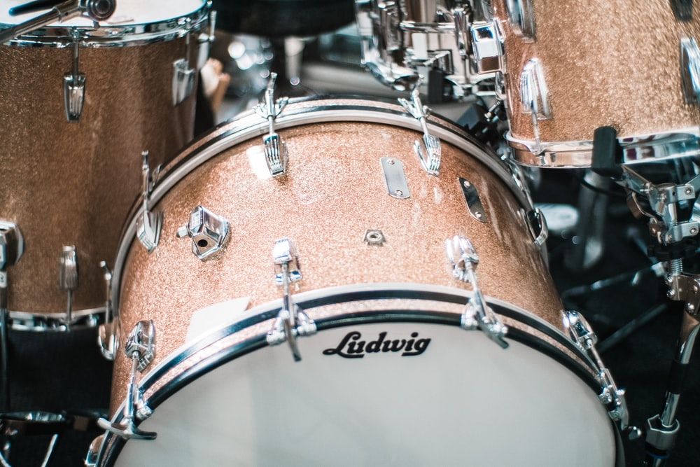 brown and white Ludwig drum set